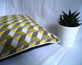 Graphic pillow cover 35 x 35 cm, cubes mustard yellow, black and ivory, black back, ivory piping trim