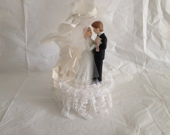 Vintage 1980s Wedding Cake Topper Made in Taiwan