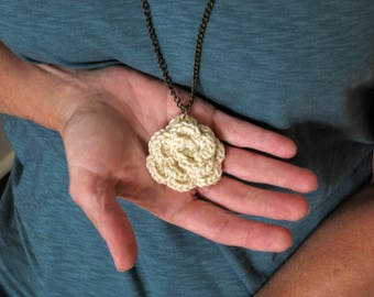 Crochet flower pendant necklace, cream necklace, crochet rose pendant, off-white jewelry, crochet jewelry, crochet necklace