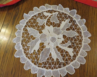 Doily Lace in Off-White or Ecru Color  //  12 1/2 Inch Diameter  //  Cottage Decor for Your table   //  Lacy Table Doily with Scalloped Edge