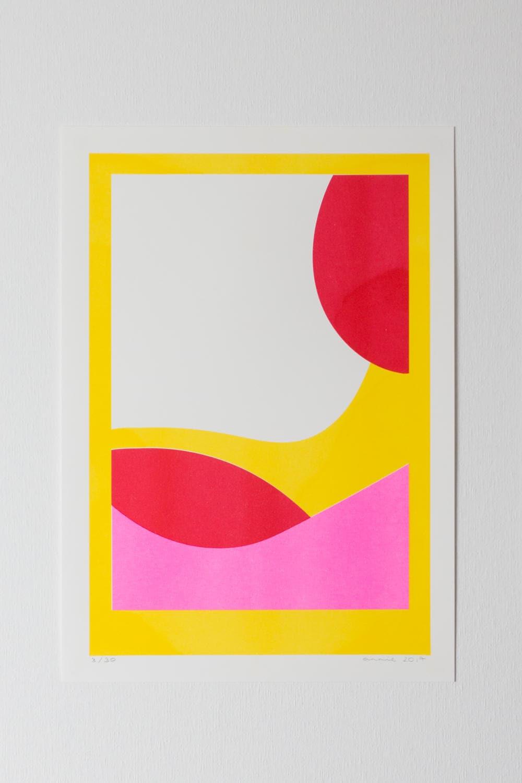 Abstrakte RISO print A3 mit fluoreszierenden Neon pink