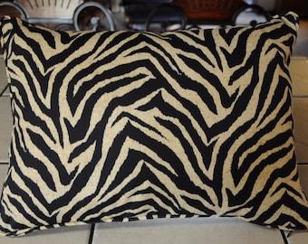 New Zebra Print Indoor/Outdoor Canvas Deorator Pillow Beige and Black Beautiful 15X20 SC3316