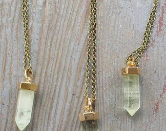 Green single stone necklace