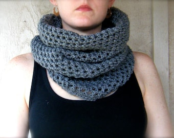PATTERN: Skyscraper Cowl, easy crochet PDF, Circle Cowl, Scarf, modern neckwear, InStAnT DoWnLoAd, Permission to Sell