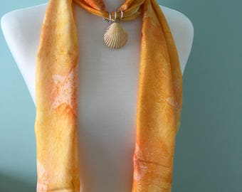 Genuine scallop scarf ring in yellow