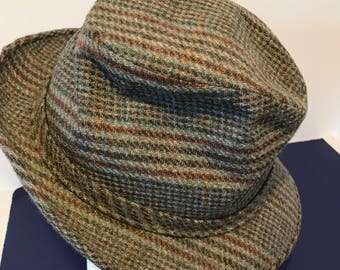 "Vintage Adam New York Men's Wool Gray and Red Print Tweed Fedora Hat Size 7 1/8"" Medium"