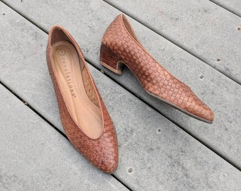 Vintage Brown Woven Leather Flats with Kitten Heel, 7