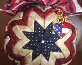 Quilted elegant patriotic ornament