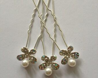 Rhinestone and pearl buttefly hair pins. Wedding hair pins. 3 pcs.