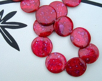 Set of 2 round flat 30mm mother of Pearl FUCHSIA SPECKLED beads