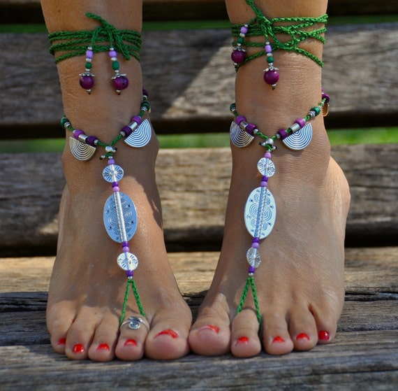 Half MOON BAREFOOT SANDALS, Purple and Green, Foot Jewelry, Hippie Beach Wedding, Toe Ring, Anklet, Crochet Sandals, Yoga jewelry