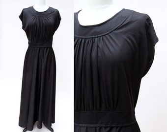 Vintage 70s Dress / Vintage Black Maxi Grecian Dress / Size 18