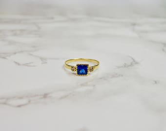Blue Sapphire color Ring 14k yellow Gold with side zircons, Mother's day