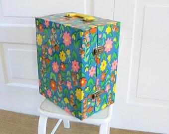 Vintage Sewing Machine Case, Vintage Floral Case, Floral Suitcase, Floral Sewing Machine Case, Small Vintage Sewing Machine, Vintage Singer