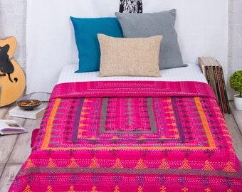 Kantha Quilt Throw , Indian Handmade Kantha Blanket  , Sari Kantha Stitch Dorm Bedding Ralli Gudari Tapestry , Kantha Quilt Twin