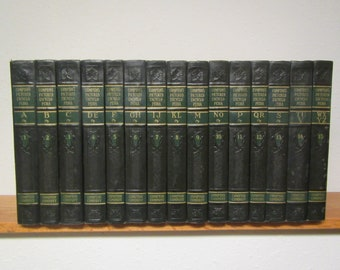 1951 COMPTON'S PICTURED ENCYCLOPEDIA Set ,  15 volumes A -Z  , Nice set. Reference books