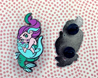 Mermaid <3 Otter enamel pin