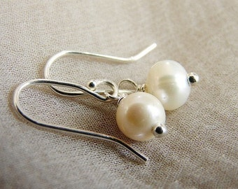 Simple Pearl Earrings - cultured pearls, sterling silver earrings, everyday pearl earrings