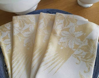 4 fun and shiny gold satin damask napkins from 1970's 40cm x 38cm