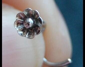 Flower Nose Stud - La Petite Fleur - CUSTOMIZE