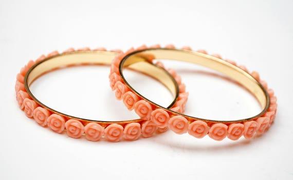 pink flower bangles - lot of two bracelet - pink plastic rose - gold metal bangles