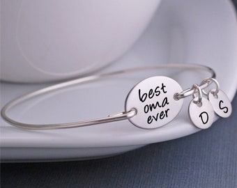 Mother's Day Gift for Oma, Personalized Best Oma Ever Bangle Bracelet, Oma Jewelry Gift from Grandkids