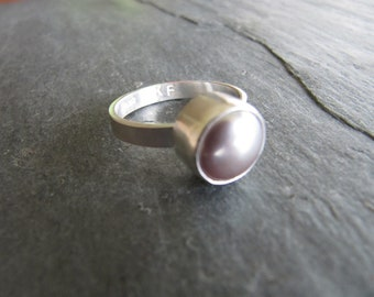 Simple Mauve Pearl Ring in Sterling Silver  Size 8