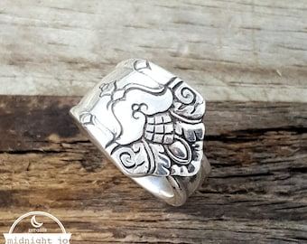 Her Majesty Spoon Ring - Silver Spoon Ring - Vintage Spoon Ring - Art Deco Ring - Silverware Jewelry - Upcycled Jewelry- Handmade Spoon Ring