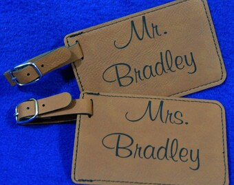 Bridal Shower Gift ~ Gift For Couple ~ Mr and Mrs Gift ~ Luggage Tag ~ Leather Tag ~ Bride And Groom Tag ~ Wedding Gift ~ Monogram Gifts ~