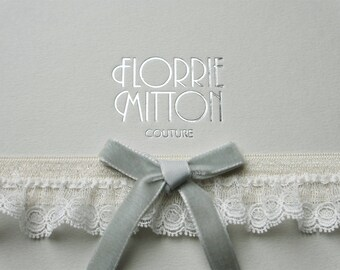Beau lace garter with velvet bow