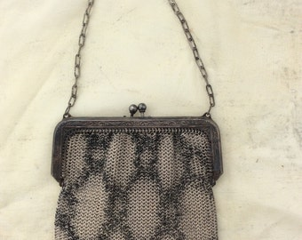 ADORABLE Metal Mesh FLAPPER purse from the 1920s! Looks like snake skin! Whiting Davis designer