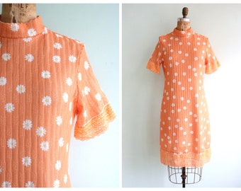 Vintage 1990's Peach Daisy Dress | Size Medium