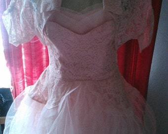 Classic and Lovely 50s Baby Pink Lace Petal Bust and Layered Tulle Full Party dress with Bolero - S