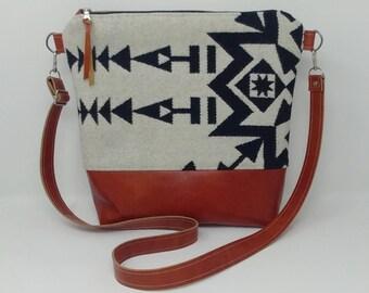 Pendleton wool purse, Pendleton bag, black and white, leather, shoulder bag, shoulder purse, adjustable strap, crossbody bag