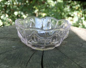 Small Pink Glass Bowl Drape and Tear Drop Pattern Dish