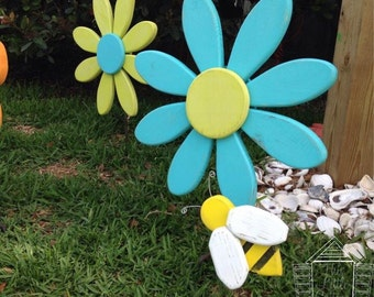 Bumble Bee, garden art, outdoor decor, shabby chic, insects, spring decor