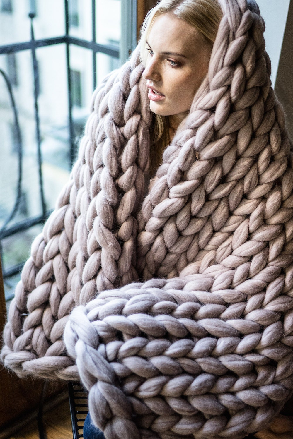 Giant Knitting Blankets : Chunky knit blanket giant yarn throw wrap arm from