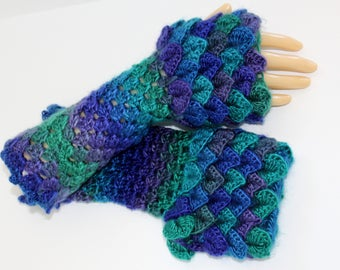 Dragon Gloves, Dragon Scale Gloves, Fingerless Mittens, Crocodile Stitch, Game of Thrones, Mother of thrones, Arm warmers