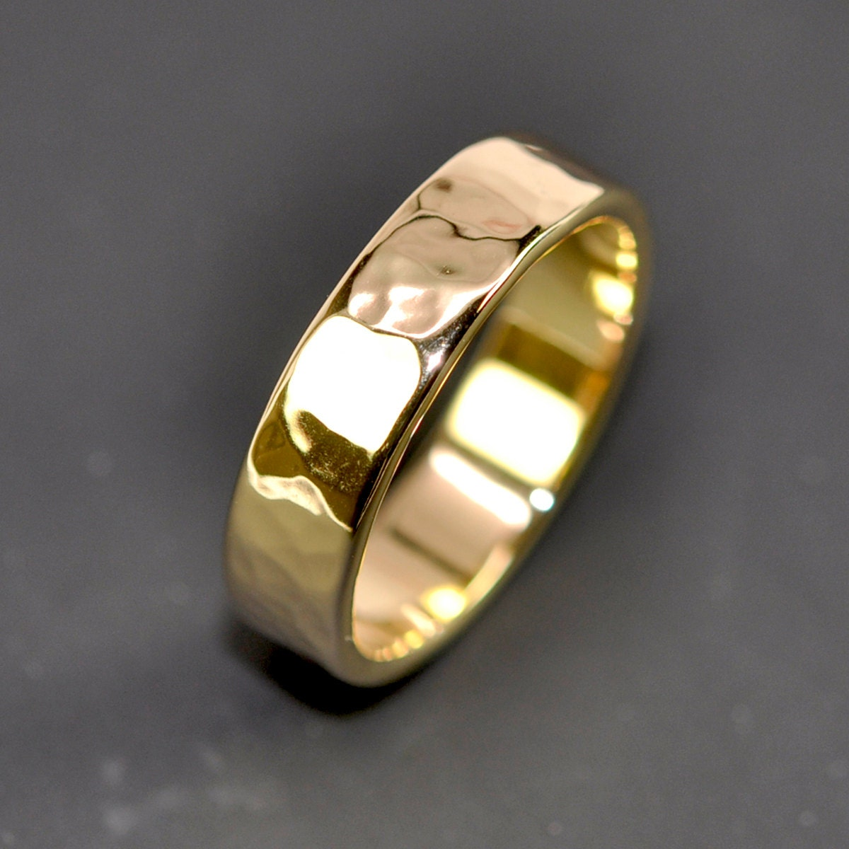 18K Yellow Gold Men's Wedding Band Hammered 5mm Ring Sea