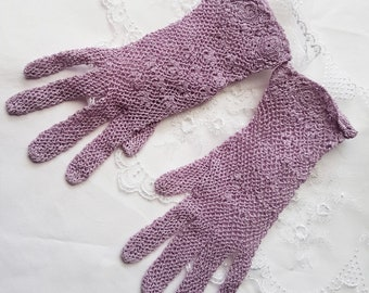 1940's Style Crochet Gloves in Lilac, Vintage Gloves, Wedding Gloves, WW2 costume, 1950's, theater