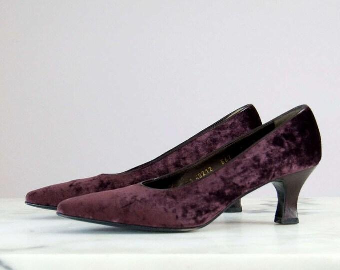 80s Vintage FERRAGAMO Velvet Maroon Heels with Original Box (7, 7 1/2 AA)
