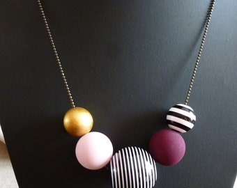 Necklace beads wood and bronze acrylic chain