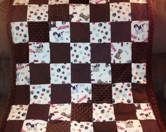 """Dog Quilt - Dogs and Paws """"Woof"""""""