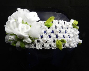 Tsumami Kanzashi flower headband with white roses