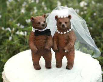 Bear wedding cake topper-bear lover-rustic- wedding-bear hunter-fall-brown bear-wedding cake topper-hunting wedding-rustic wedding