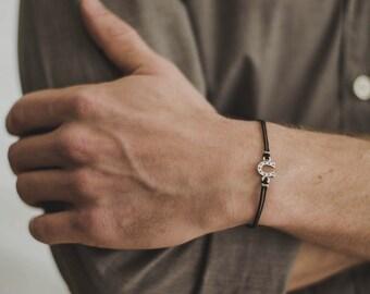 Horseshoe bracelet, men's bracelet, silver hoof charm, black bracelet, charm bracelet for men, gift for him, cowboy bracelet, mens jewelry