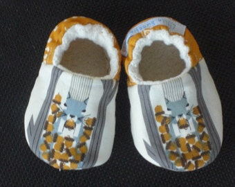 Baby Shoe, Baby Slippers, Charley Harper print, Eco-Friendly shoes, Squirrel slippers, soft sole baby shoes, baby crib shoes, baby moccasin