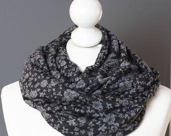 Snood tissu à fleurs noir // letitsnood // ENVOI GRATUIT