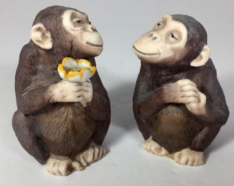 SALE Salt Pepper Shakers Chimpanzees Porcelain Finely Detailed Vintage
