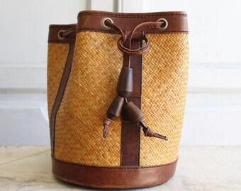 FREE SHIPPING!!!  Vintage Designer Elliott Lucca Adjustible Straps Wicker/Leather Bucket Bag